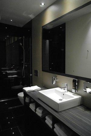 Centro Hotel Ayun : salle de bain