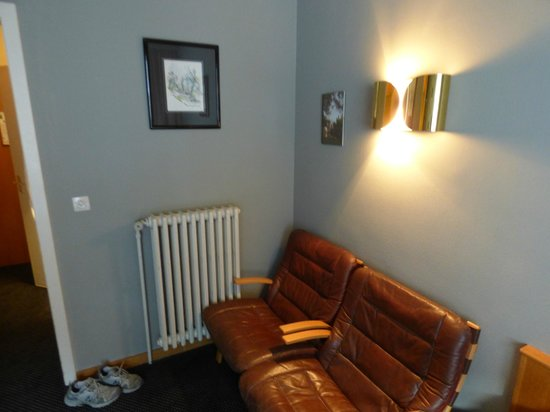 Europ Hotel : Comfy leather seats