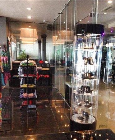 Queenco Hotel & Casino : в отеле открылся CJ Boutique.