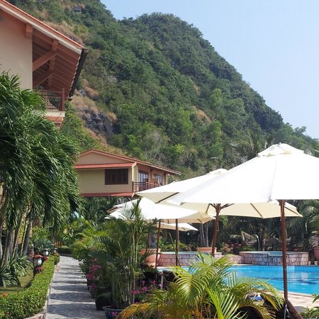 Catba Sunrise Resort : views