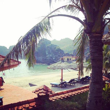 Catba Sunrise Resort : beach