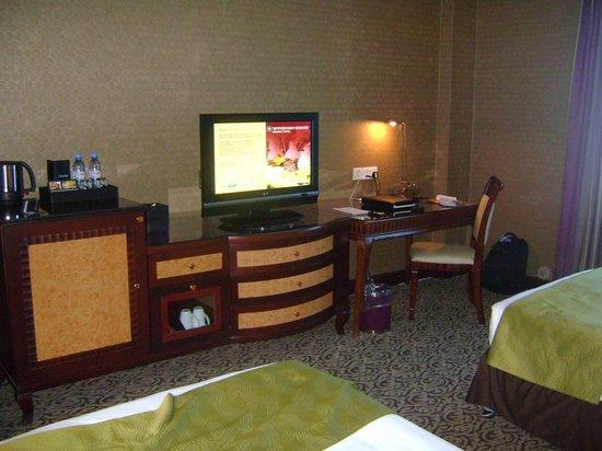 Wyndham Grand Regency Doha: study desk