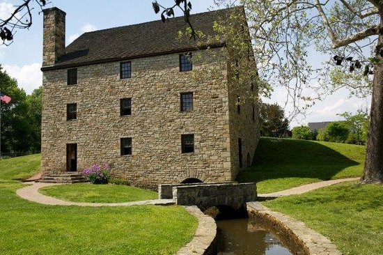 ‪George Washington's Distillery & Gristmill‬