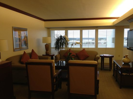 Hyatt Regency Orlando International Airport : Suite Living Area