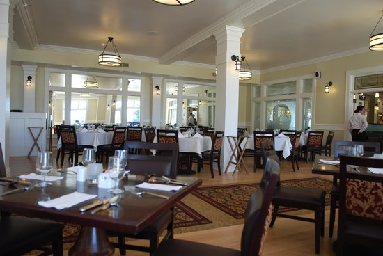 The Restaurant Picture Of Lake Yellowstone Hotel Dining Room Yellowstone National Park Tripadvisor