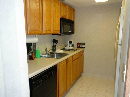 Staybridge Suites Monterrey - San Pedro: Kitchen