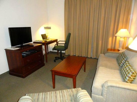 Staybridge Suites Monterrey - San Pedro: Living Room