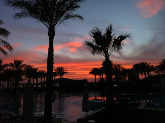 Jaz Fanara Resort & Residence: View after sunset