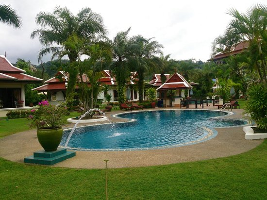 The Pe La Resort : One of the two pools, already the biggest one.
