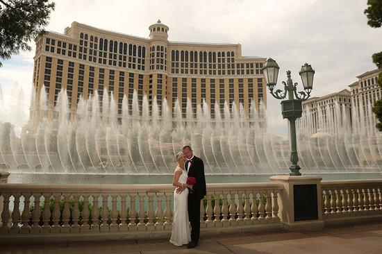 Scenic Las Vegas Weddings Chapel Bellagio Fountain Show