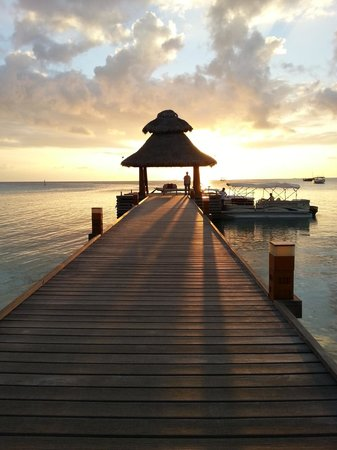 Baros Maldives : Going to Piano Deck - Jetty sunset