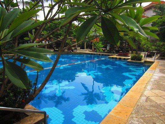 Bandara Hotel: The pool