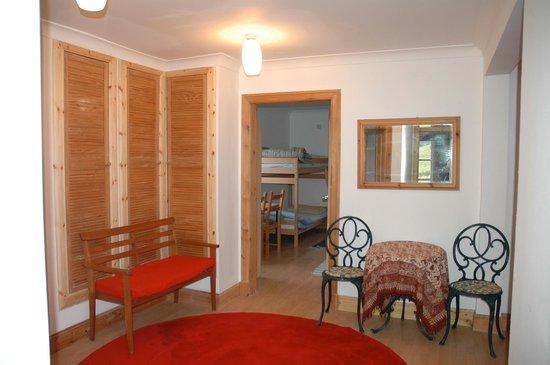 Loch Voil Hostel: the hostel entrance hall