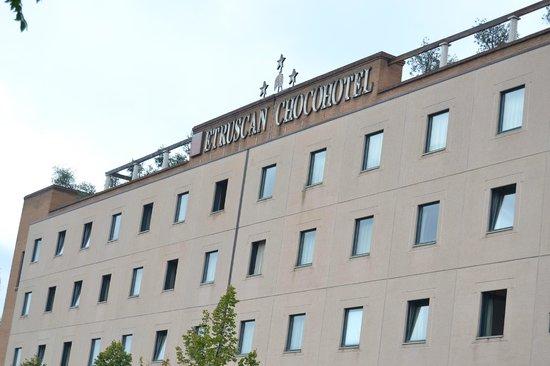 Etruscan Chocohotel: presentazione esterna dell'hotel,
