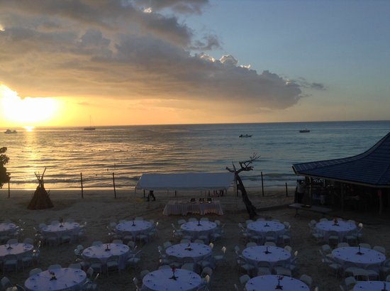 Negril Tree House Resort : Dinner party