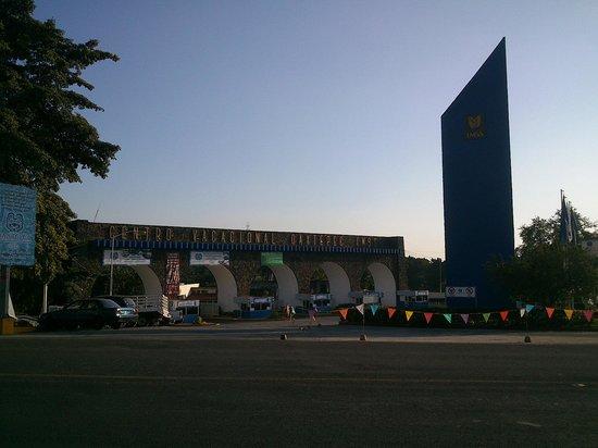 Dorados Conventions & Resort: Vista de las afueras del hotel