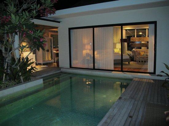 "Berry Amour Romantic Villas : Temptation Villa ""Rosado"" Night View"