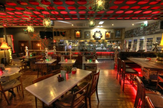 Mimosa Cardiff: Main restaurant & bar area