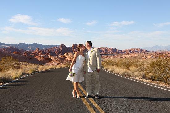 Scenic Las Vegas Weddings Chapel Fun Wedding