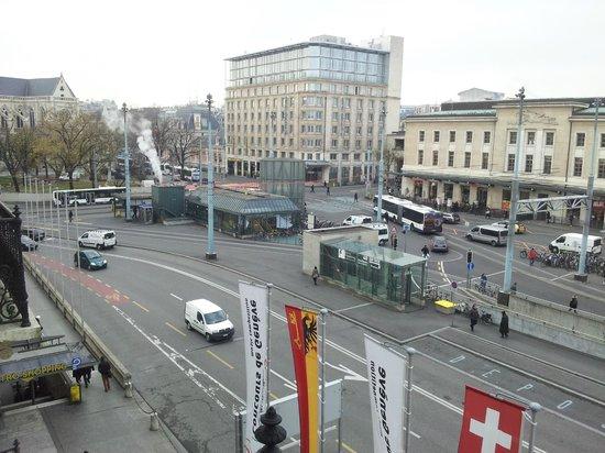 Hotel Les Arcades: Вид из окна