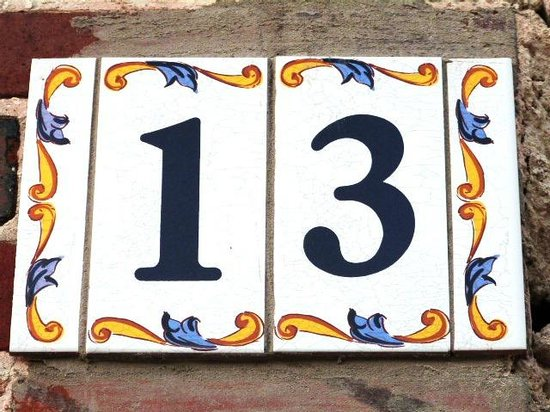 Les Volets Bleus : 13 grande rue Crancey