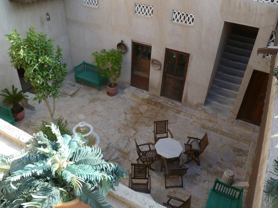 Orient Guest House: internal courtyard