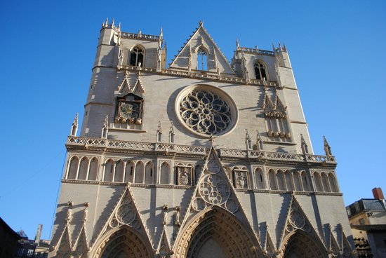 Cathedral Saint Jean Baptiste: -
