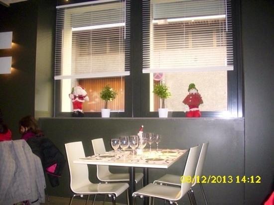 Restaurant El Groc: Con decoración navideña.