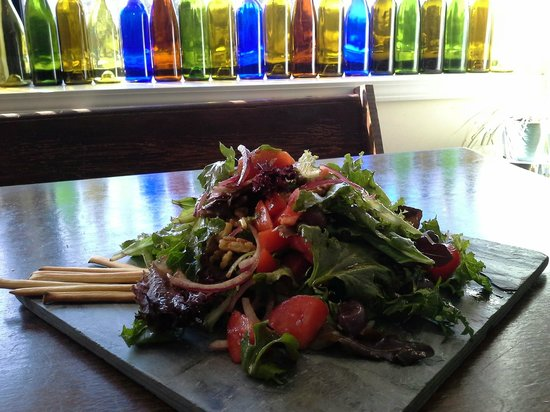 The Living Room Coffeehouse and Winebar: Salad