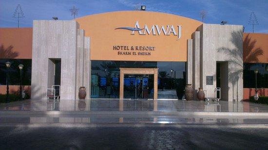 Amwaj Oyoun Hotel & Resort : Hotel Entrance