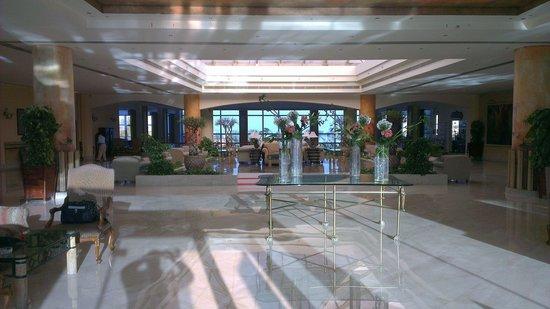 Amwaj Oyoun Hotel & Resort : The Reception