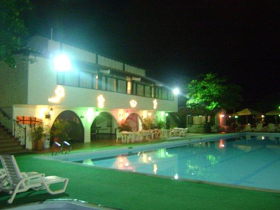 Ramada Bucaramanga: PISCINA DEL HOTEL