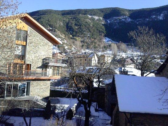Hotel Santa Barbara de la Vall d'Ordino: Widok z pokoju