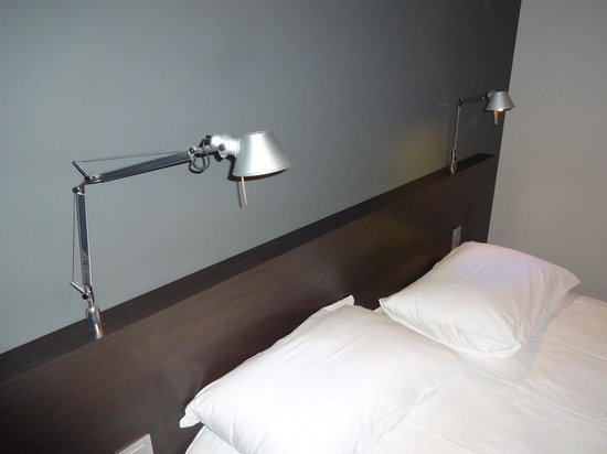 "Ibis Styles Brest Centre Port : The ""design touch"" - Tolomeo by Artemide... Nice!"