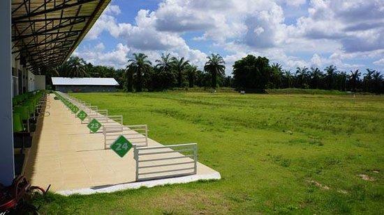 Palm Driving Range & Resort: Resort driving range