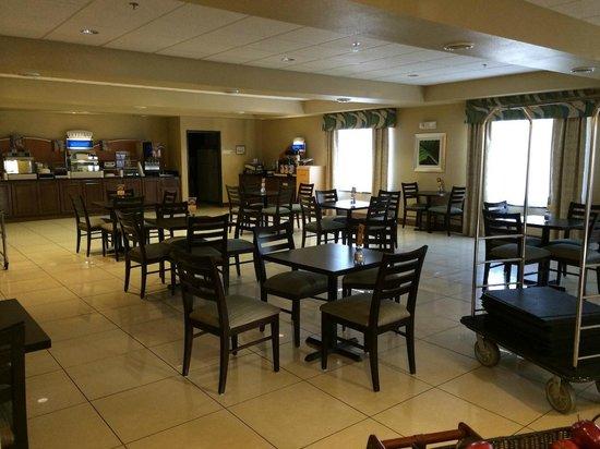 Holiday Inn Express Waterloo: Breakfast Area