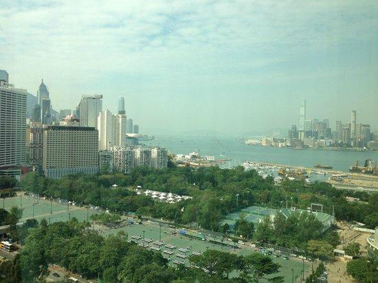 Metropark Hotel Causeway Bay Hong Kong: вид из окна