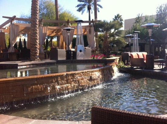 JW Marriott Scottsdale Camelback Inn Resort & Spa: Outside of the restaurant