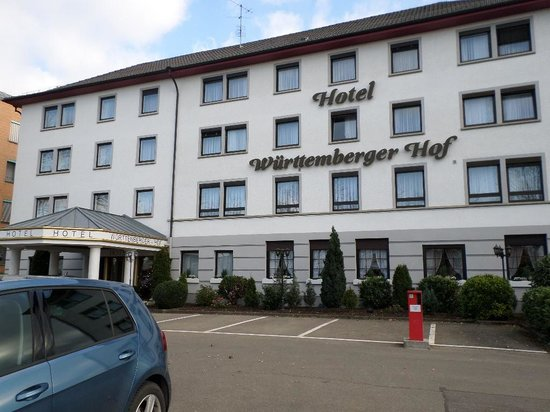 Hotel Württemberger Hof: The hotel entrance faces the train station.