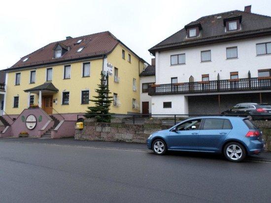 Gasthof zum Biber: The inn from the main street.
