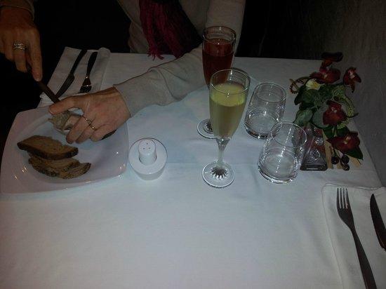 L'Esperance : aperitif avec toasts