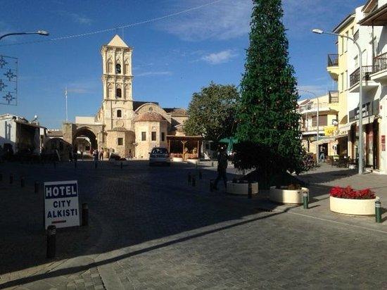 Livadhiotis City Hotel: Behind Hotel