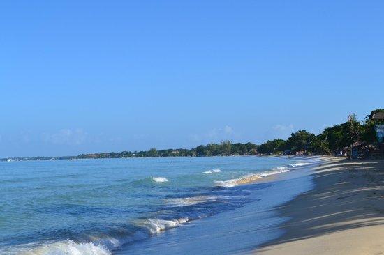 Negril Beach Club : beach