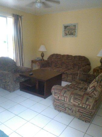 Negril Beach Club : living room