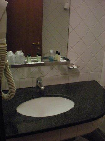 Hotel Balcony: lavabo