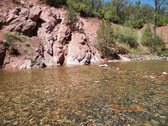 Elk Creek Campground: swimming hole
