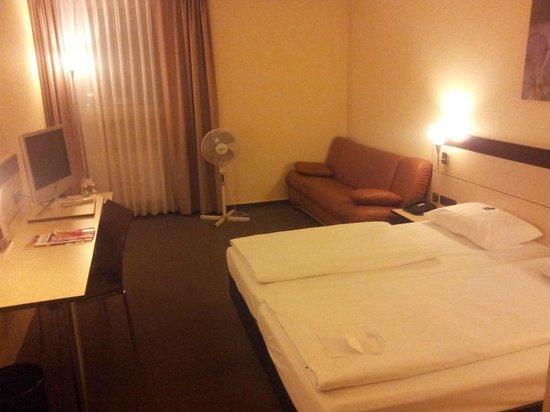 Atrium im Park Hotel: schlichte aber gute Zimmer