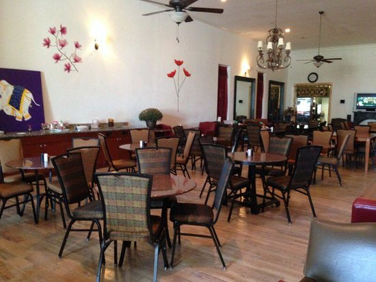 Red Curry Thai Resturant: Dining room