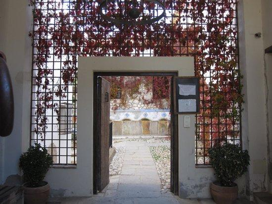 Hacienda Minerva: Vista desde la entrada