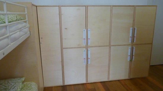 Porto Lounge Hostel & Guesthouse: Lockers no quarto